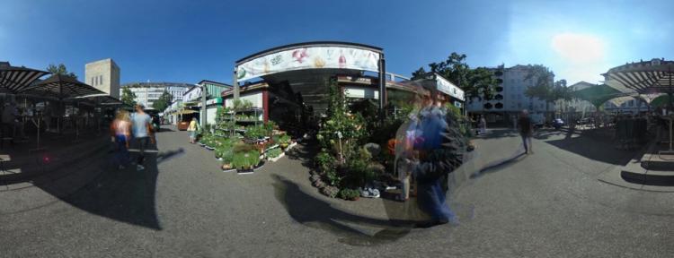 Carlsplatz Markt im Sommer